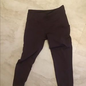 NWOT Marika 3/4 length yoga/athletic leggings.